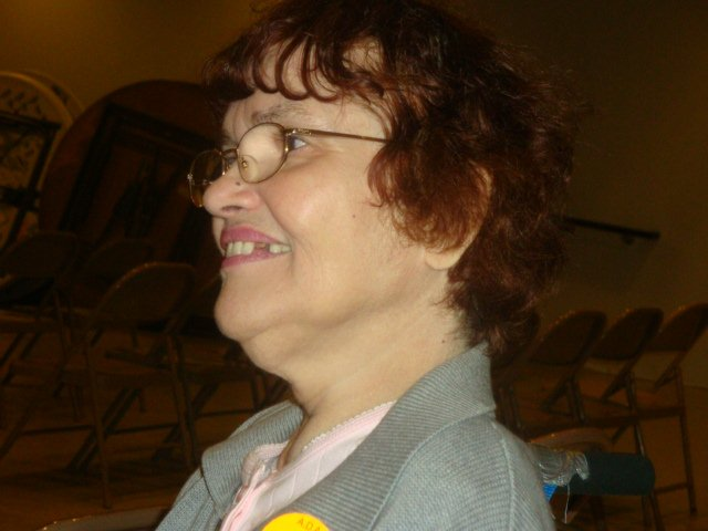 larger photo of Anita Spalding at the party